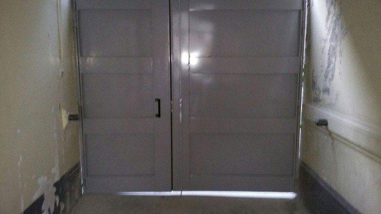 Remplacement d'une porte de cour intérieure